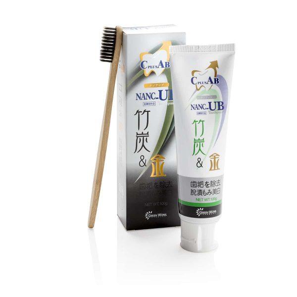Charcoal tandpasta met bamboo tandenborstel