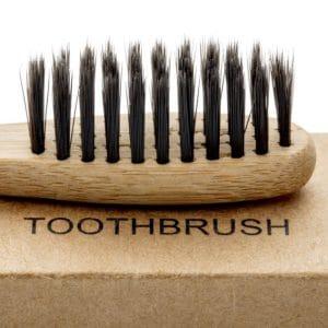 Kies een tandenborstel met zachte haartjes
