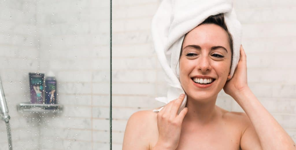 Gebruik een verfrissende monddouche voor stralend witte tanden