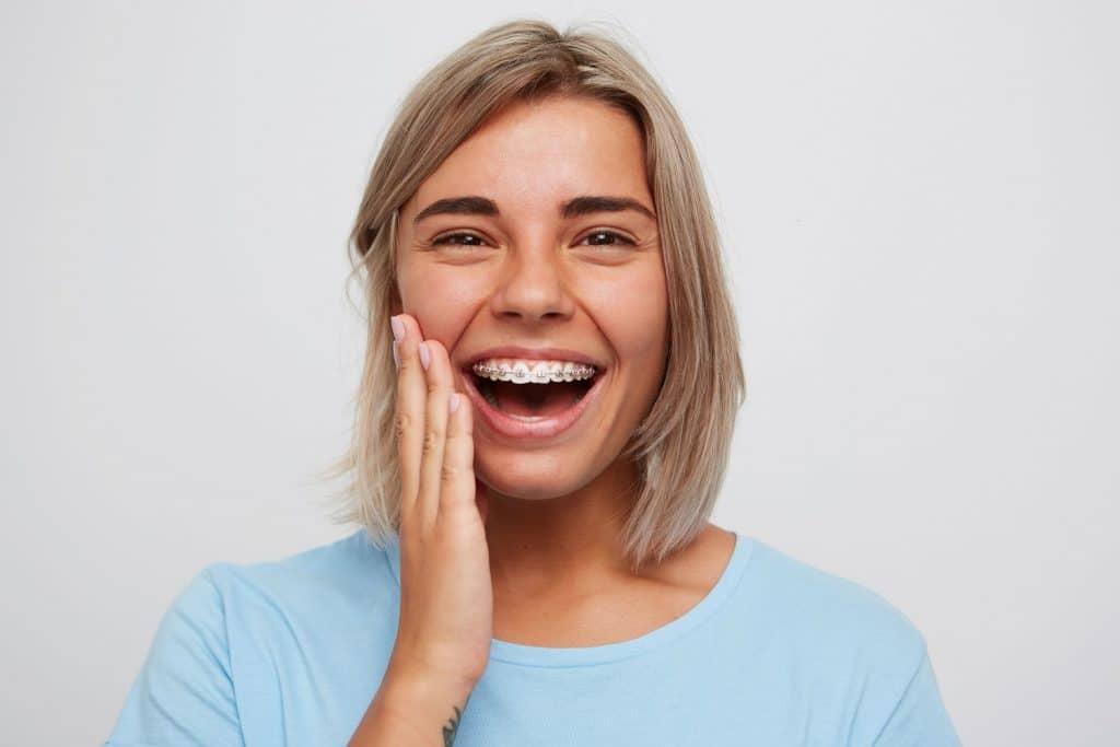 Wittere tanden krijgen met een beugel